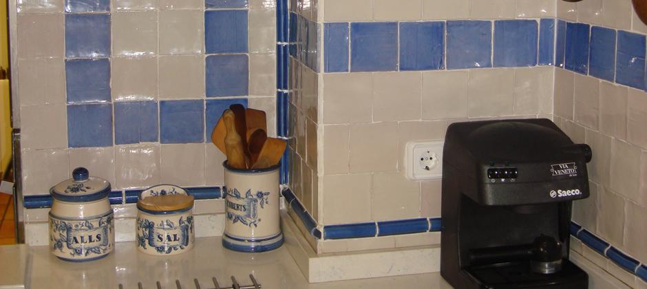 Azulejos de cocina artesanales xavier claur galer a - Azulejos de cocina pintados ...