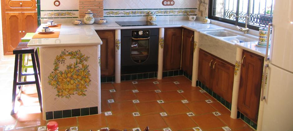 Azulejos de cocina artesanales xavier claur galer a 2 for Modelos de cocinas con ceramica